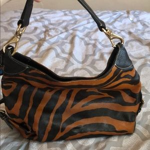 Dooney & Bourke Bags - Dooney & Bourke Tiger Small Sac Purse!